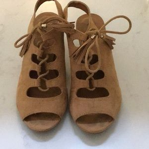 Shoes size 7 by Qupid  barely worn